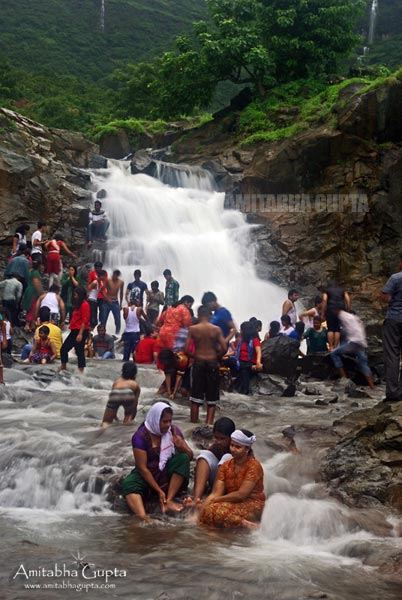 Huge crowd in front of one of the waterfalls
